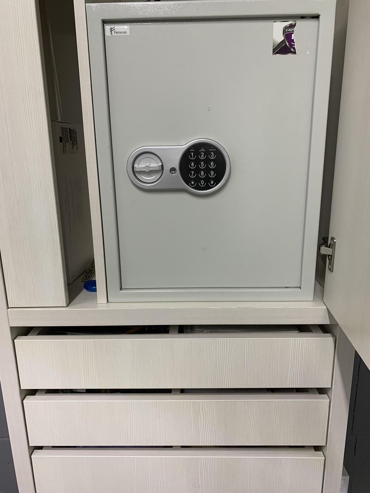 Відкрити сейф